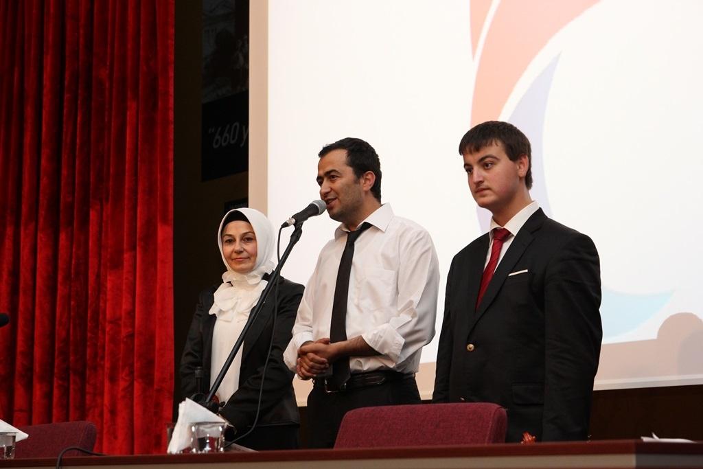 http://ebe.fatihsultan.edu.tr/resimler/upload/Yil-Sonu-Sergisi-Prof-Dr-Oktay-Aslanapa-Anisina-13120613.jpg